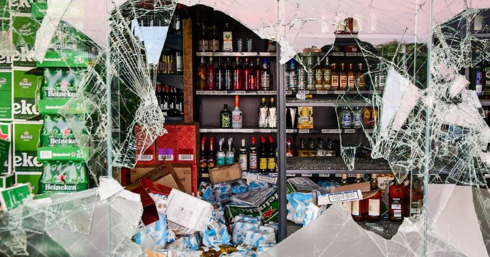 Ekurhuleni ANC ward Councillor Arrested, looting liquor store, Daveyton mall