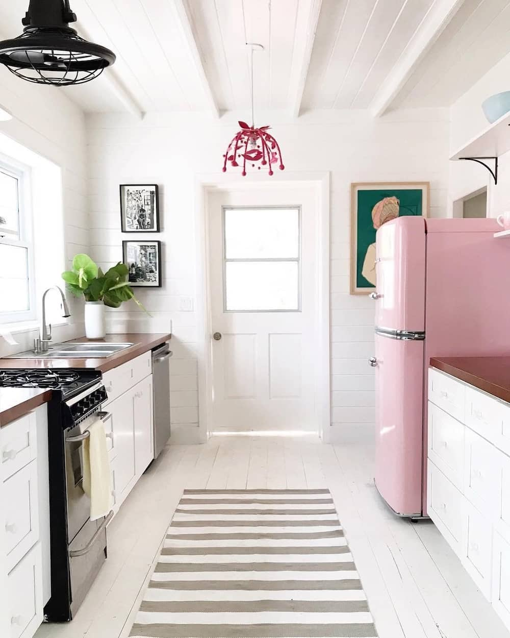 Kitchen designs for small houses