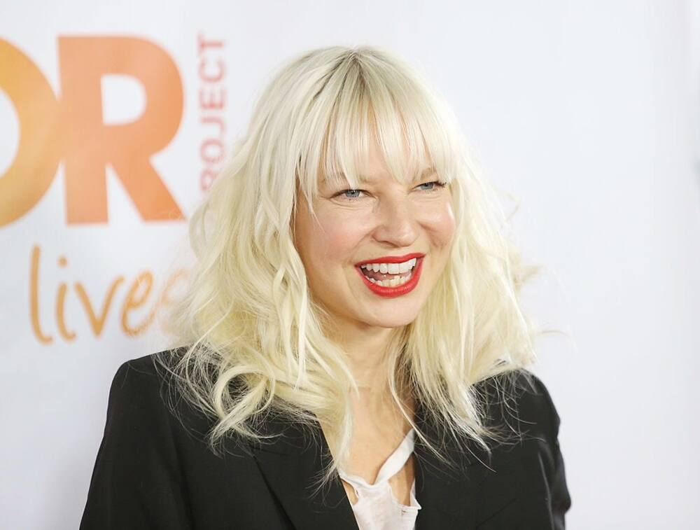 Singer Sia apologises after being slammed for confusing Nicki Minaj for Cardi B