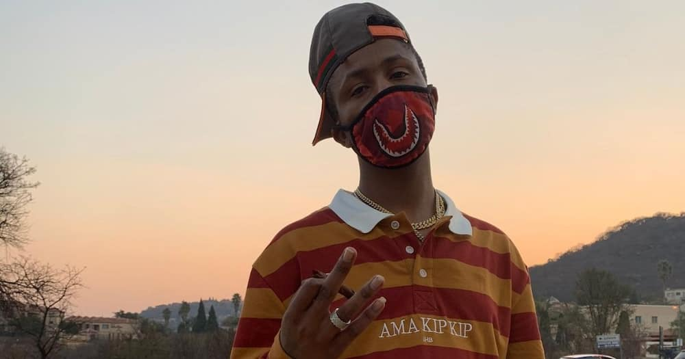 Haibo, Emtee, cautions fans, about a scammer, impersonating him, on Facebook