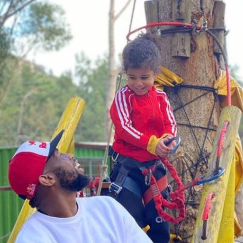 Siya Kolisi has shown Mzansi that he is a great dad on many occasions. Photo credit: Instagram/siya_kolisi_the_bear