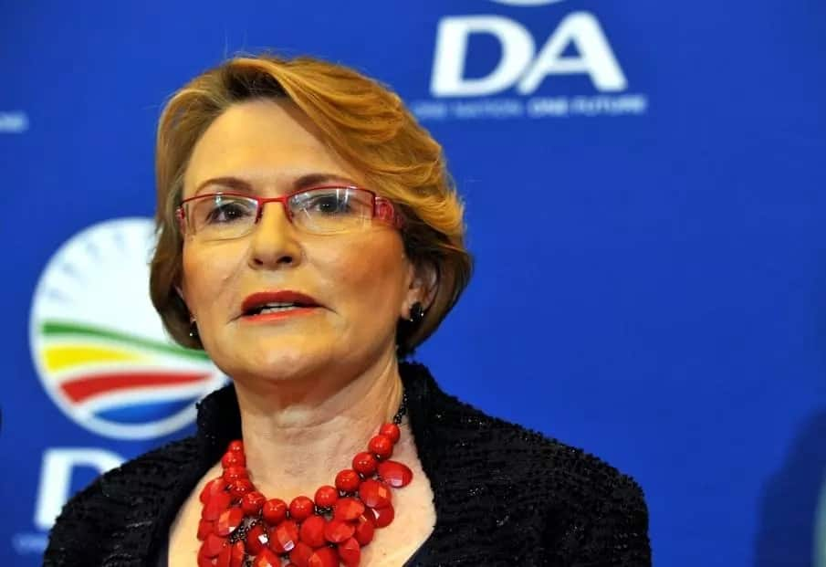 Update: Helen Zille and Mmusi Maimane at odds over who asked or volunteered to step down from party structures