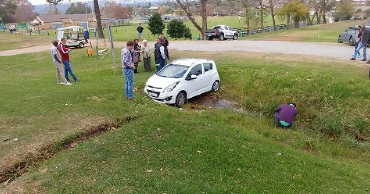 An 82-year-old gogo 'crashes' the Springboks training session