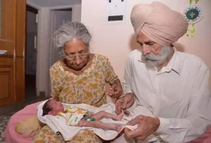 Daljinder Kaur, her husband and their newborn baby. Source: memebrity.com