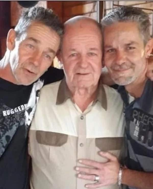 Leon (right) pictured with his dad and brother. Source: News24