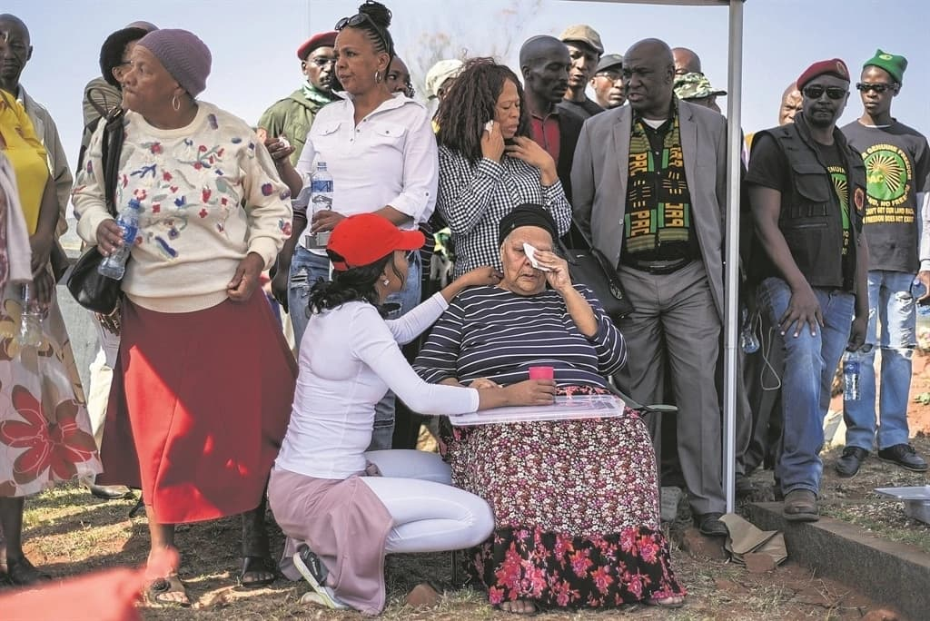 It was an emotional moment for families during the exhumations. Source: Daily Sun/Morapedi Mashashe