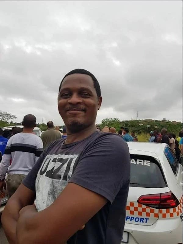 The heroic man who rescued a trapped driver from a burning car. Source: Facebook/KZN Traffic