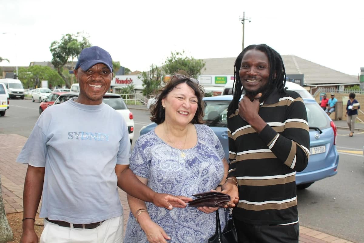 Theresa pictured with Andrew Ngubane and Ernest Ndlovu. Source: northglennews.co.za
