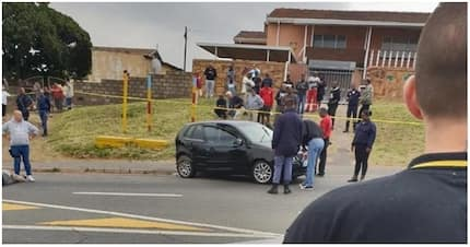 Father and son hailed as heroes after foiling armed robbery in Durban