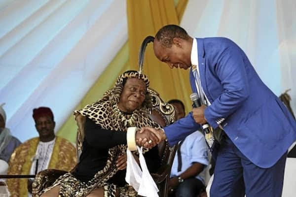 King Zwelithini pictured with billionaire businessman Patrice Motsepe at the party. Source: Times Live/Thuli Dlamini