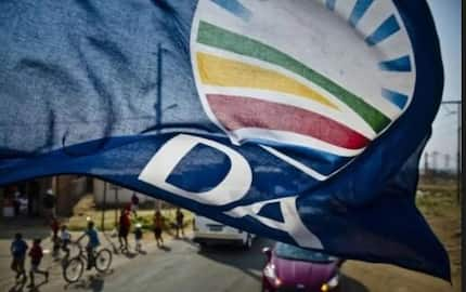 Helen Zille vs Mmusi Maimane: Zille says her suspension is a punishment for not stepping down as premier