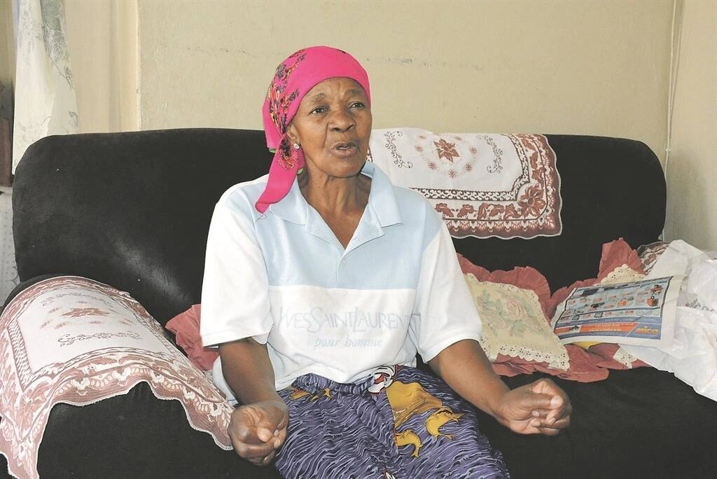Gogo Baloyi explains her experience. Source: Dailysun.co.za