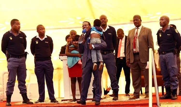 Prophet Mboro blessed the cops as well as the little girl and her mother. Source: Times Live