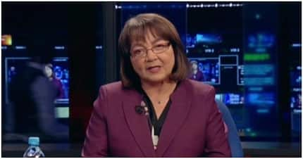 De Lille shines as TV anchor but hilariously says Fikile 'Mambalula'