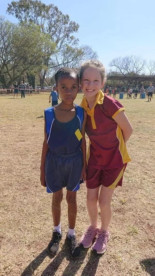 Sephokwane and her new friend, Kaila. Source: Facebook/Edu-Discipline