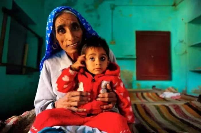 Rajo Devi Lohan and her son. Source: memebrity.com