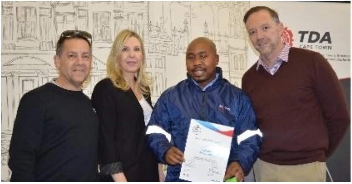MyCiti bus driver hailed a hero after he returned a woman's lost diamond wedding ring