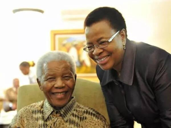 The late president Nelson Mandela pictured with Graca Machel. Source: Google