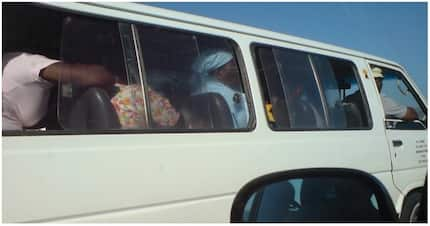 Lady to taxi gossipers: Be quick so everyone knows how story ends