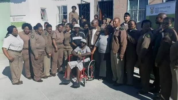 Sindisile pictured with his former colleaues who reached out to help him. Source: Daily Voice