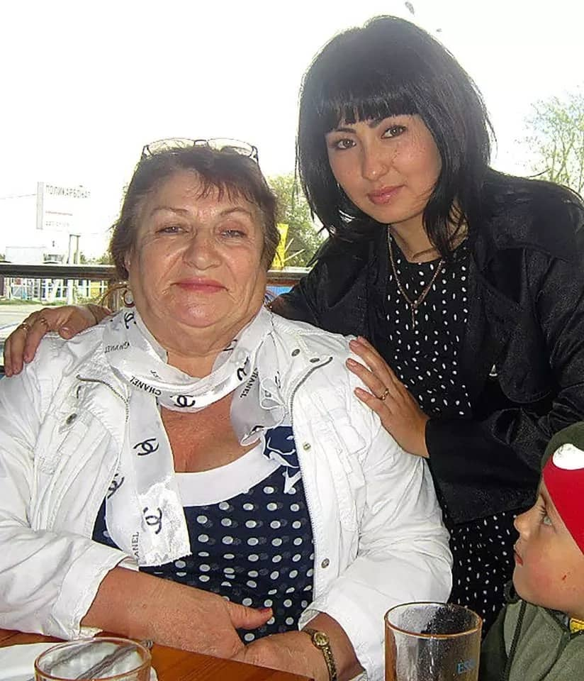 Zoya (left) raised Katya (right) but later discovered she wasn't her biological daughter. Image source: Siberian Times