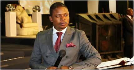 Prophet Bushiri shows off his holy powers and his congregation plays along