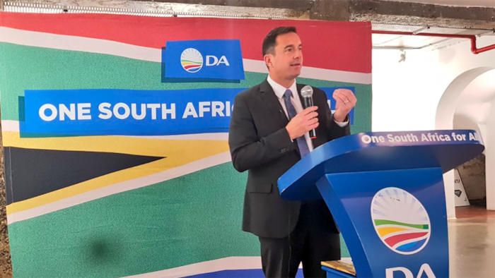DA drafts bill to put an end to cadre deployment, Mzansi shares thoughts