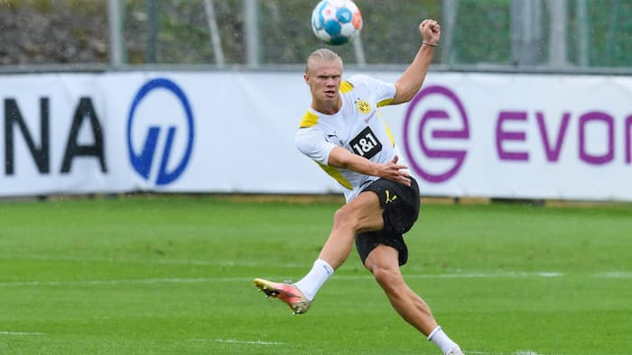 Erling Haaland sends urgent and stunning update to Chelsea about his future at Borussia Dortmund