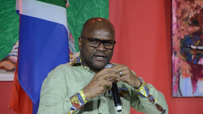 Minister Nathi Mthethwa says there is no pressure on Team SA in the Olympics