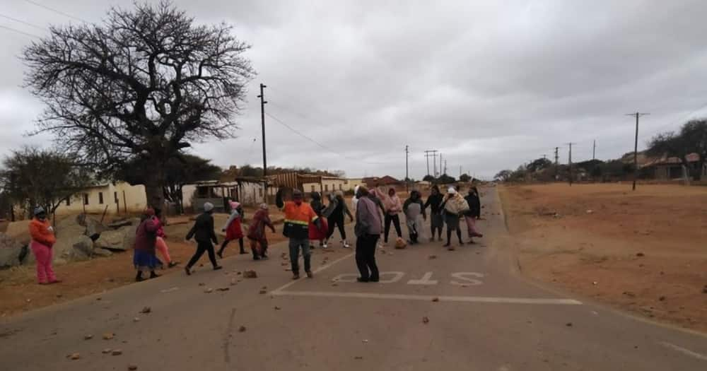 78-year-old Limpopo Gogo walks 2km to beg for water