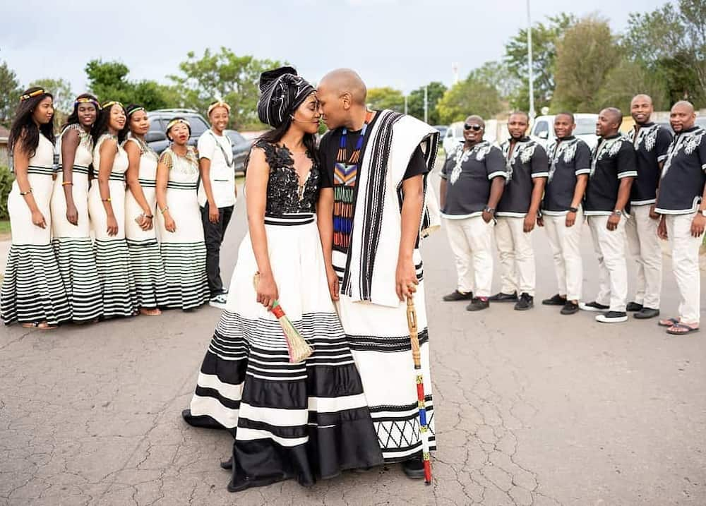 Take A Look At Traditional Wedding Outfits From Around The: 20+ Xhosa Traditional Attire For Women In 2019 Briefly SA