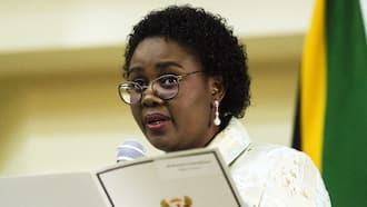 Kubayi Ngubane considering allowing people 40 and over to register for vaccine