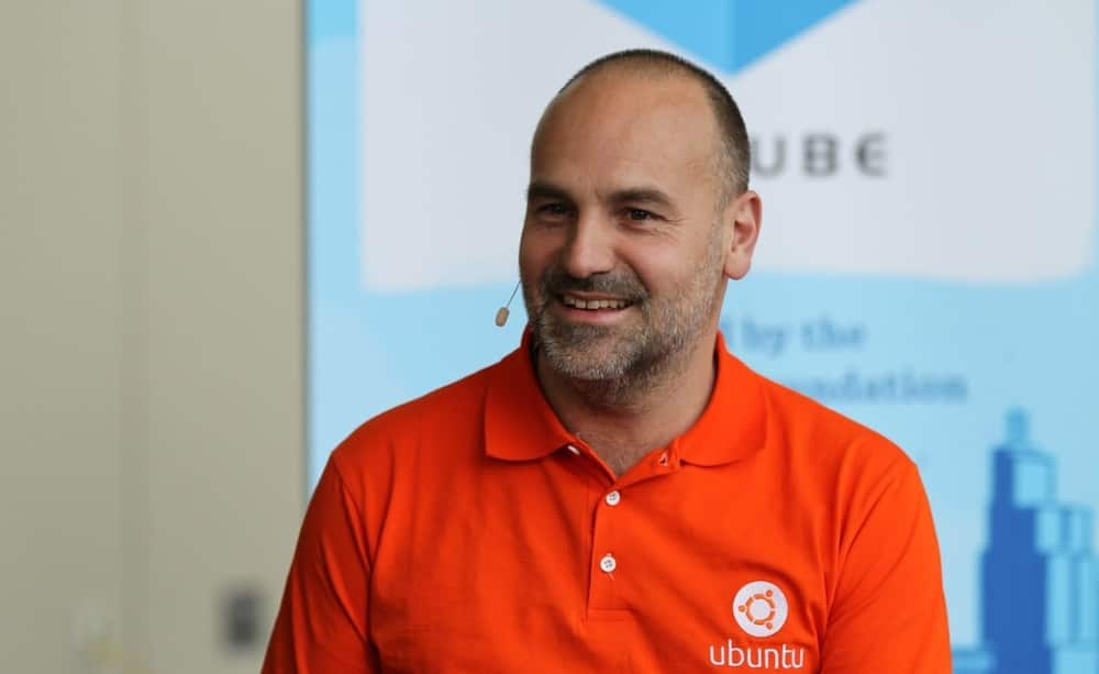 Mark Shuttleworth contacts