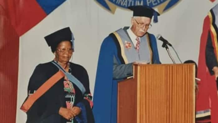 Nonsikelelo Qwelane: Mzansi's longest serving teacher has died after 79 years on the job
