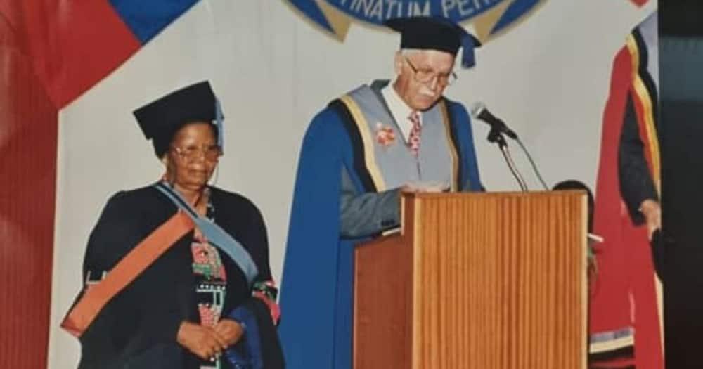 Nonsikelelo Qwelane, Mzansi, Longest, Teacher, Died, 79