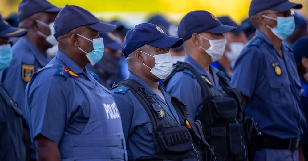 SAPS, Hawks, bribe, R145 000, Gauteng cops arrested