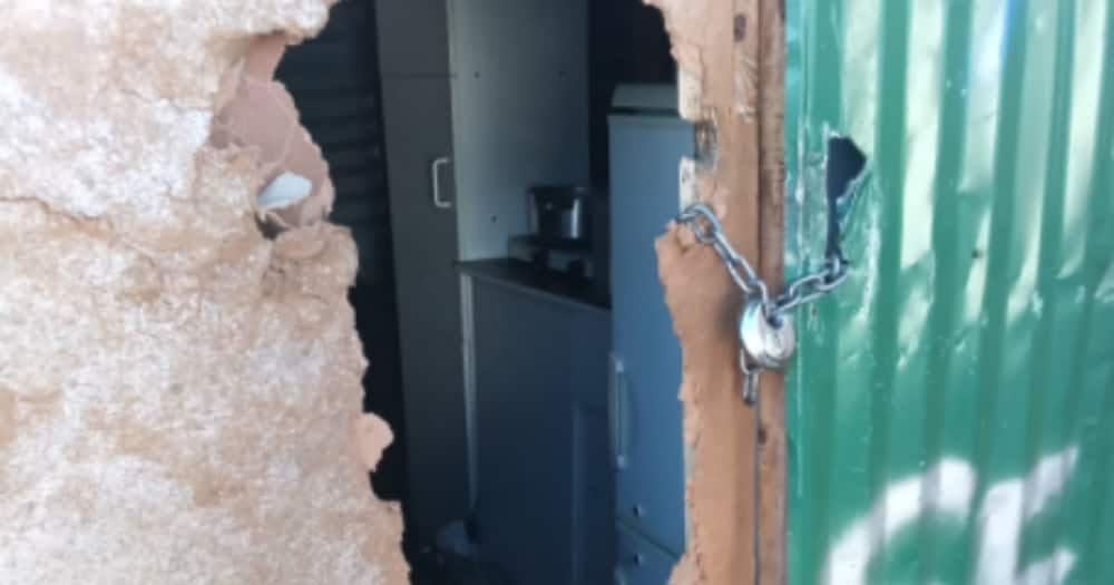 Man Shares Pics of His Shack After It's Been Robbed, SA Feels Sorry for Him