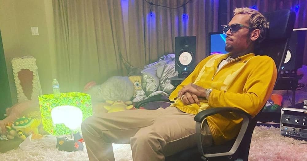"""Chris Brown reacts to debate pitting him against Usher:""""Not in competition with nobody but myself"""""""