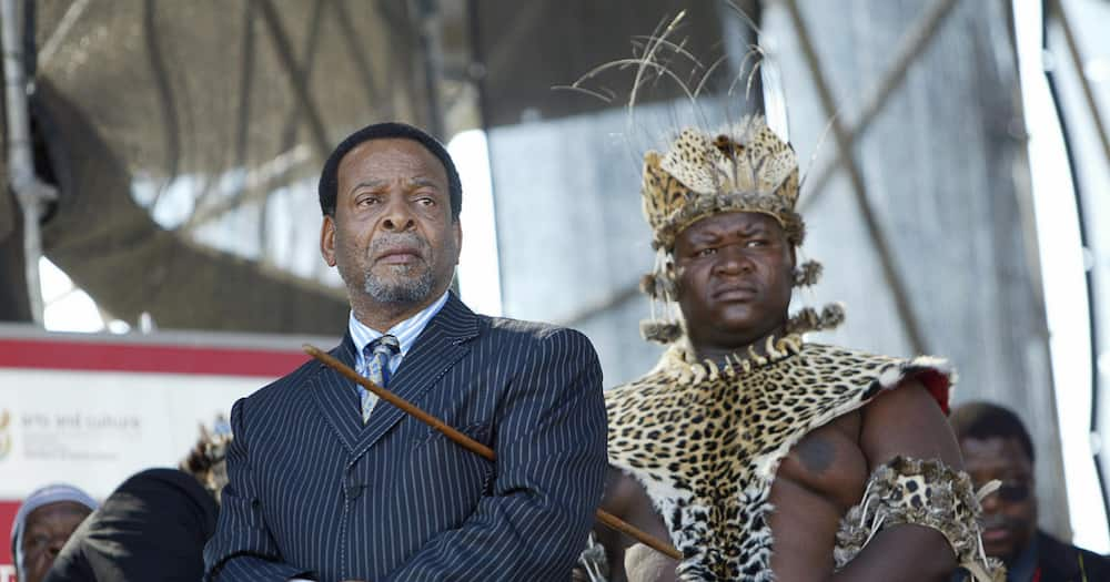 King's body will not lie in state, mourners urged not to attend funeral