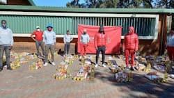 """God bless you Shabba"": Siphiwe Tshabalala donates food parcels in Soweto"