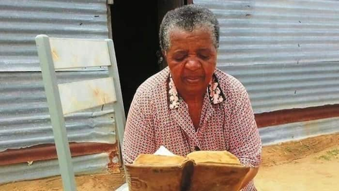 """Mzansi applauds elderly woman who chose a life of celibacy: """"You live truly to the Word of the Bible"""""""