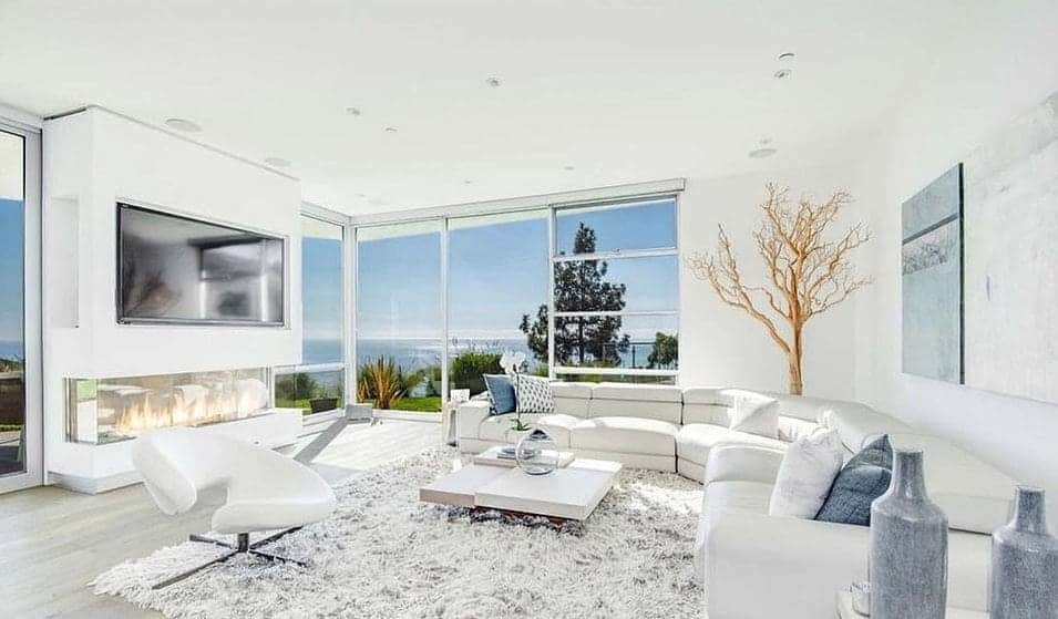 Will and Jada Smith's 19-year-old daughter, Willow, buys N1.2 billion mansion (photos)