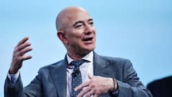 """185 000 People sign petition to keep Jeff Bezos in space: """"Humanity is in your hands"""""""