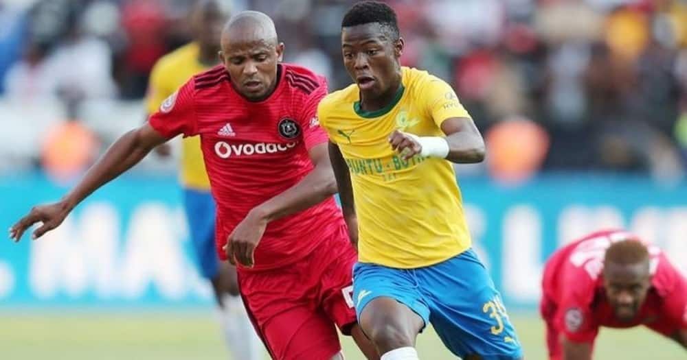 DStv Premiership, Mamelodi Sundowns, Kaizer Chiefs, Transfers