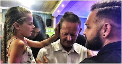 Little girl prays for man with no eardrum until his ear opens