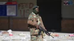 SANDF: Firing warning shots prohibited, 25 000 more soldiers deployed