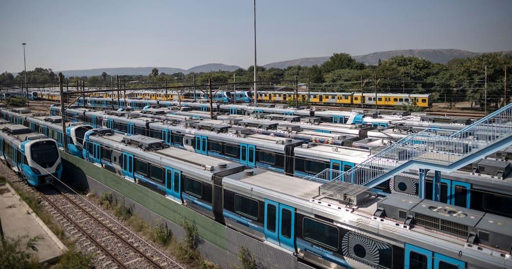 Prasa's Multimillion Plan. Minister of Trasport Fikile Mbalula, Zolani Matthews Prasa CEO