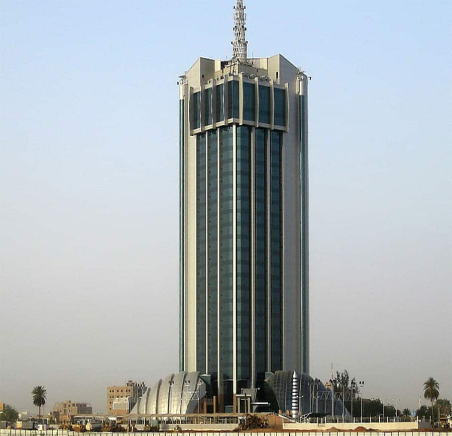 How many floors does the tallest building in kenya have?