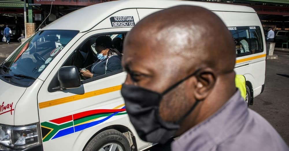 """Mzansi shares stories about taxi drivers and masks: """"They don't play"""""""