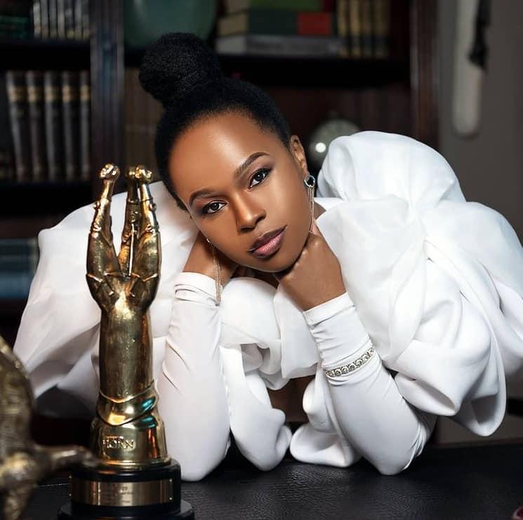 Sindi Dlathu biography